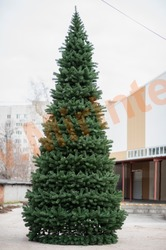 Сосна искусственная, уличная, каркасная «Уральская» 29 м.